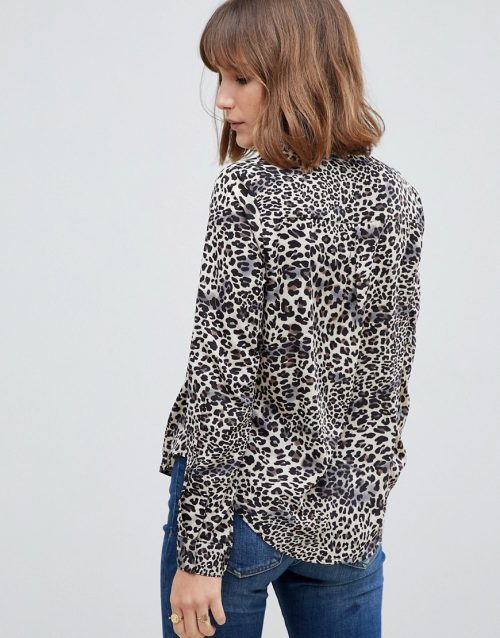 Glamorous relaxed blouse in leopard print