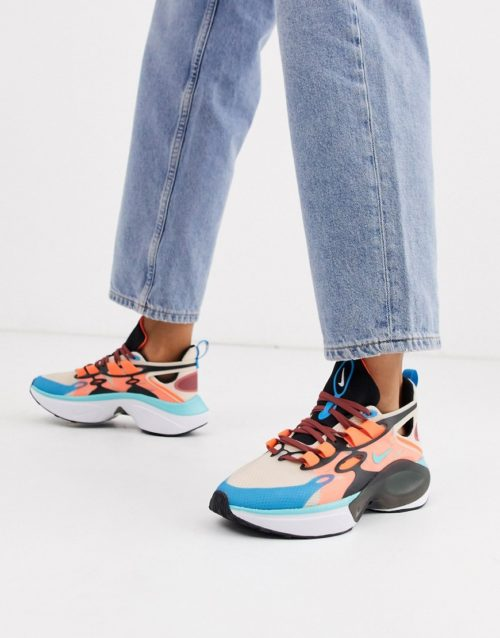 Nike Signal Trainers in orange and blue